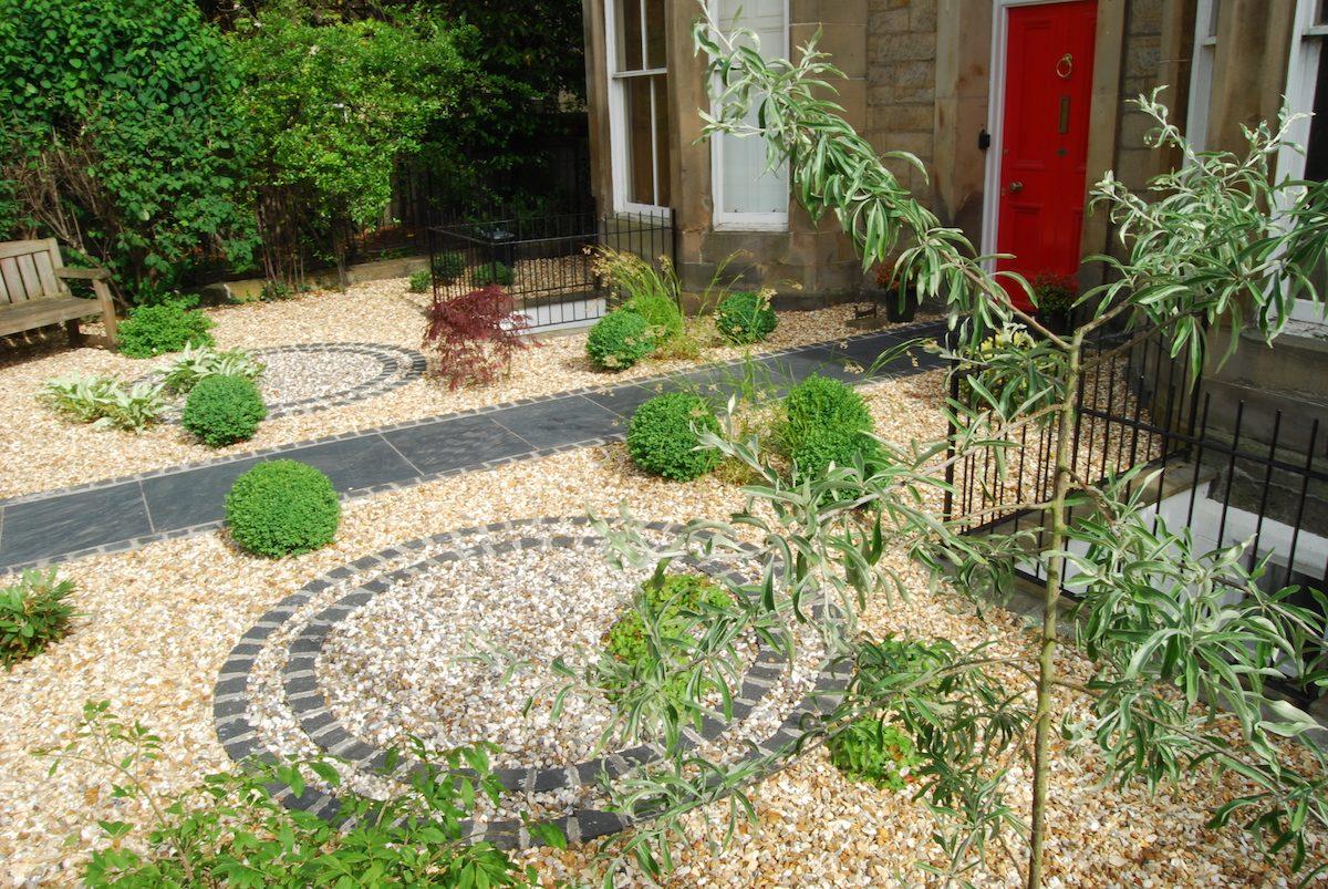 Henderson Row front garden, black slate slabs, basalt ...