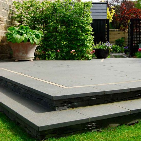 Black basalt paving with clashach inlay, Edinburgh garden built by Water Gems, designed by Carolyn Grohmann