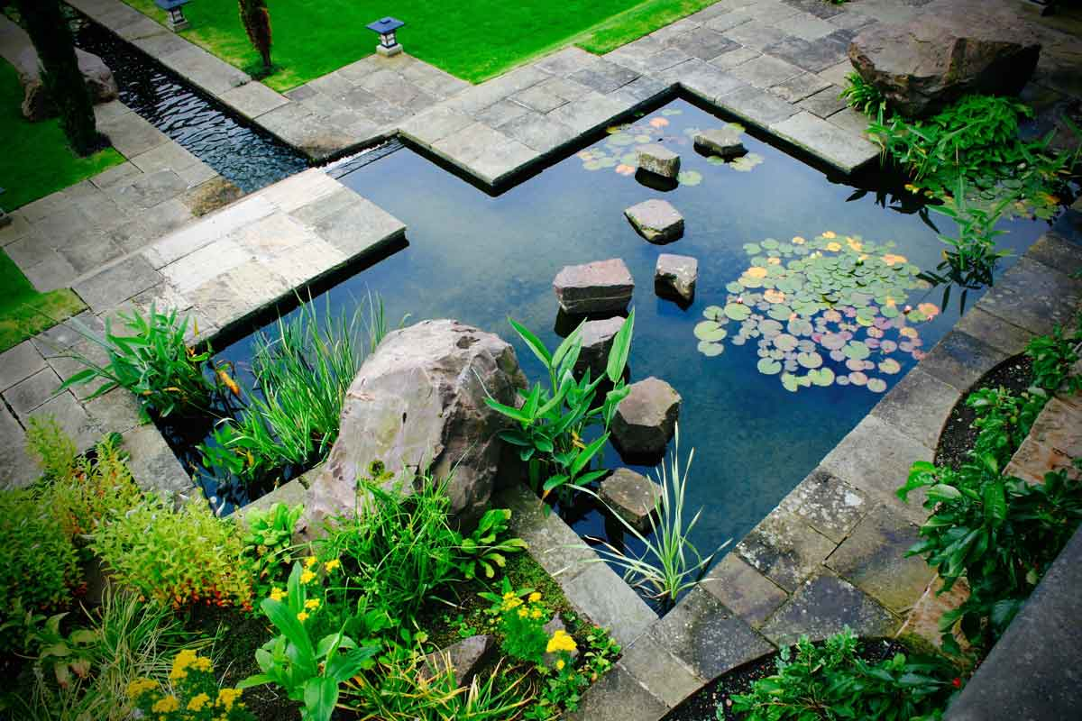 Formal water feature, Garden in Inverleith, Edinburgh by Water Gems